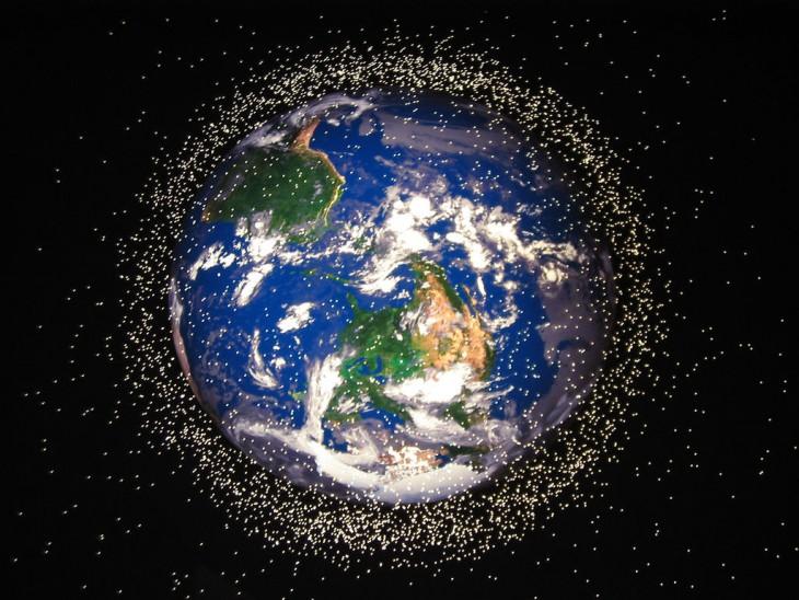 Космический мусор достиг критической массы, сообщило NASA