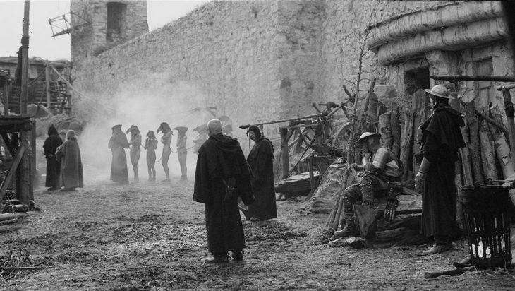 8 дурно пахнущих фактов о том, как в Средневековье люди выживали без купания