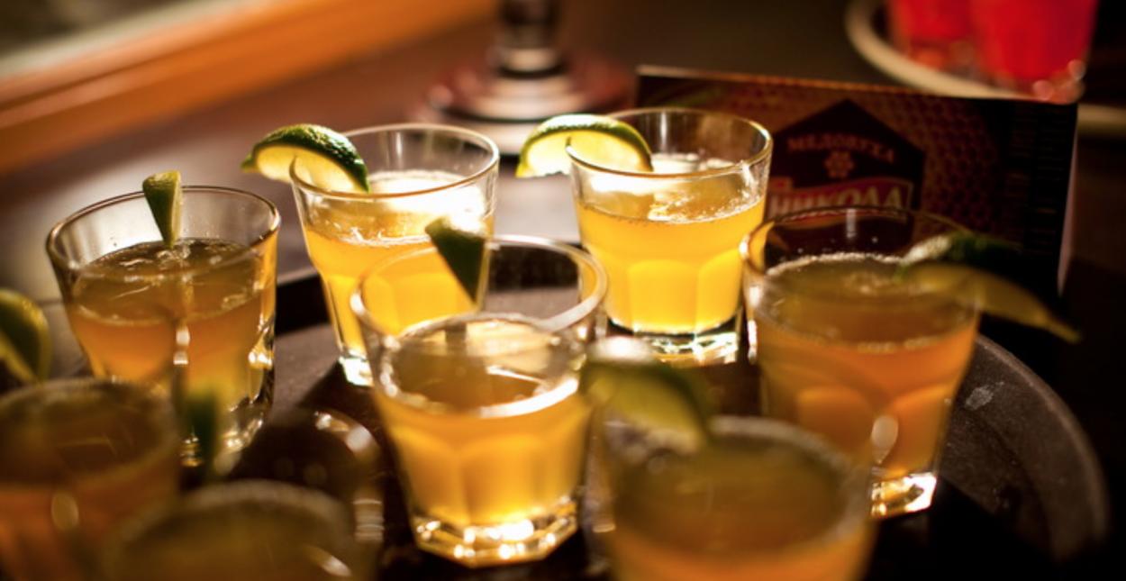 Как сделать напиток из спирта в домашних условиях быстро