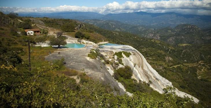 Семь самых удивительных и «неправильных» водопадов мира
