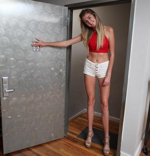 Смотреть фото самые длинные ноги 24 фотография