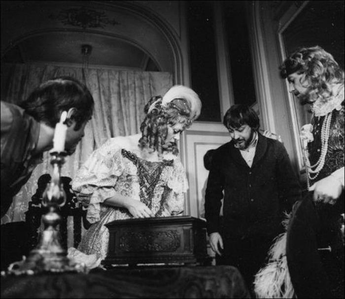 В роли Анны Австрийской режиссёр видел только Алису Фрейндлих • Фотографии: Kulturologia.ru
