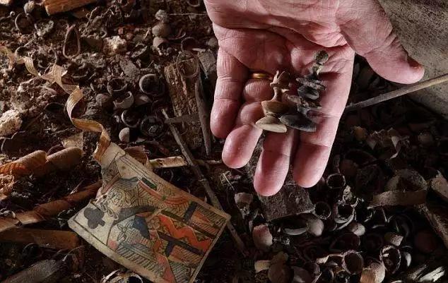 15 невероятных вещей, случайно найденных людьми в их собственных домах
