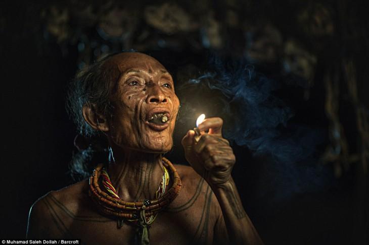 Удивительное нетронутое цивилизацией племя ментавайцев: 20 фотографий