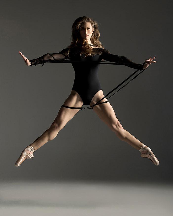 Цена аплодисментов: 45 фотографий о силе и грации артистов балета