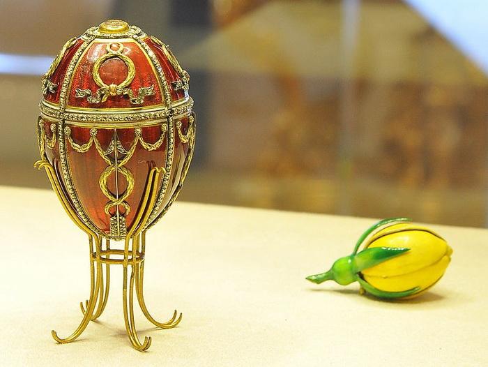 Яйцо сбутоном розы, Фаберже, 1895