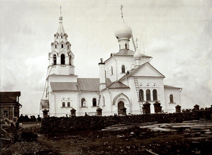 Храм Живоначальной Троицы, возведенный в память о Вере Мамонтовой