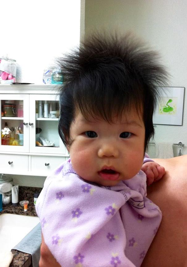 Фото 12 - 15 малышей, родившихся с удивительно роскошными причёсками