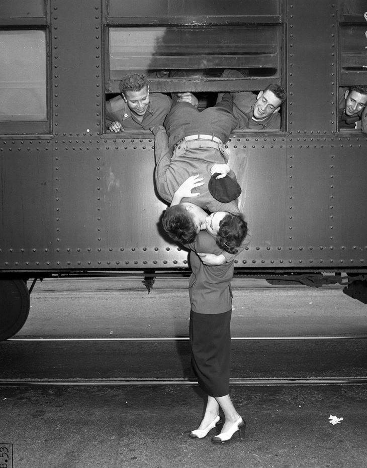 Фото 2 - любовь во время войны 20 фотографий наполненных глубокими чувствами