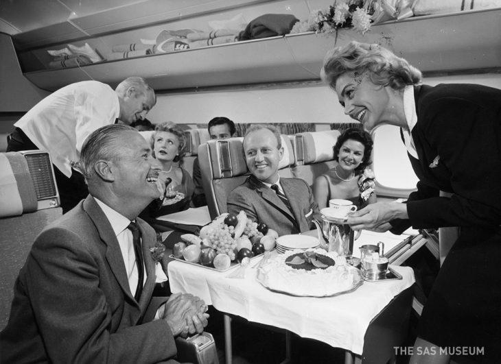 Чем кормили авиапассажиров 50 лет назад? Вы будете в шоке!