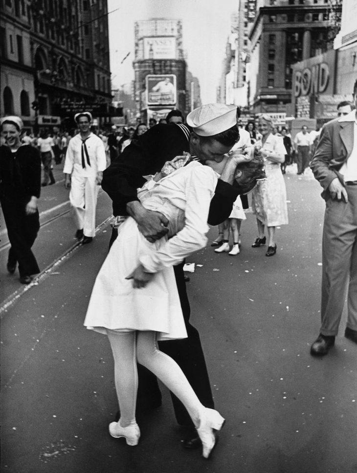 Фото 3 - любовь во время войны 20 фотографий наполненных глубокими чувствами