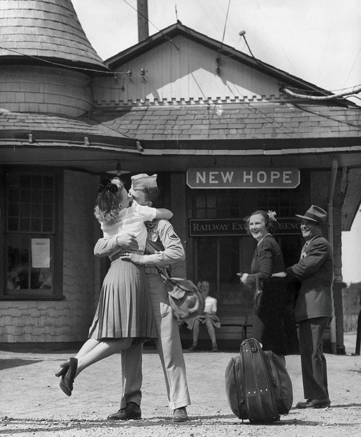 Фото 4 - любовь во время войны 20 фотографий наполненных глубокими чувствами