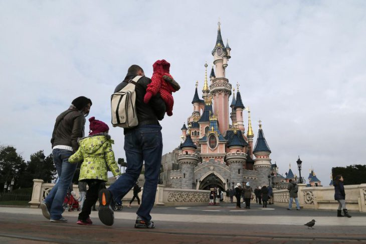 EURODISNEY-SHAREHOLDERS/ REUTERS/Gonzalo Fuentes &bull WordPress.com