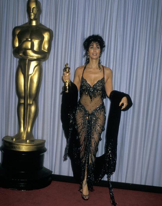 Шер удостоилась премии Оскар за лучшую женскую роль. 1987 год.