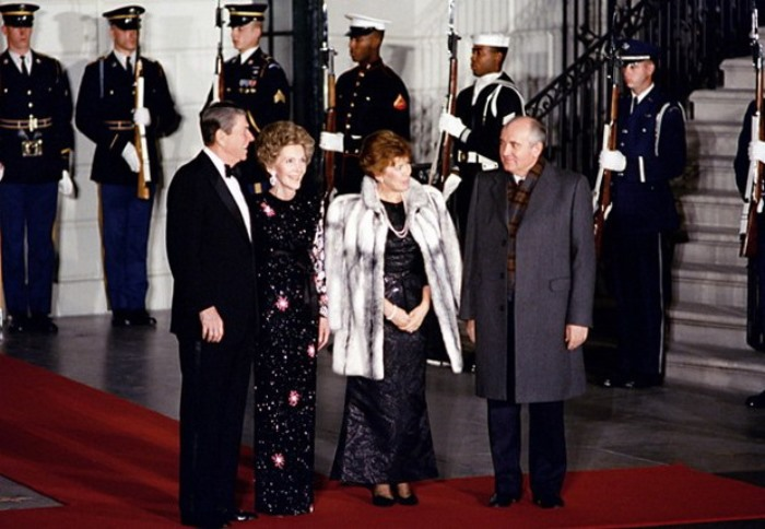 Чета Горбачевых во время визита в США, 1987