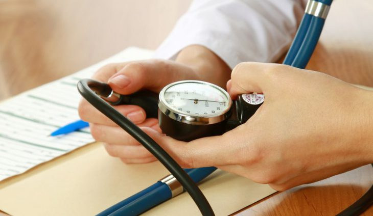 Какие показатели кровяного давления считаются нормальными для разных возрастов. Проверьте своё!