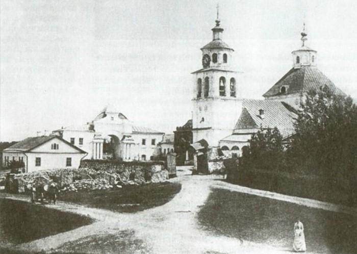 Храм Христа Спасителя в усадьбе Гончаровых. Полотняный завод, 1900