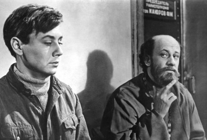 Олег Табаков и Евгений Евстигнеев в фильме «Молодо-зелено», 1962