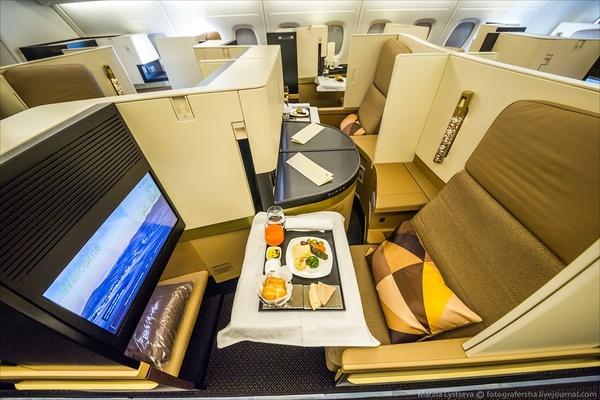 Вот КАК выглядит путешествие на борту самого роскошного самолета в мире