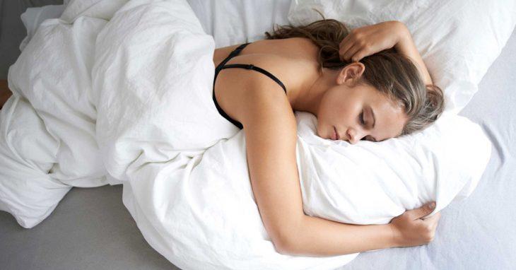 Вот 9 советов, которые улучшат ваш сон, даже если спать вам некогда