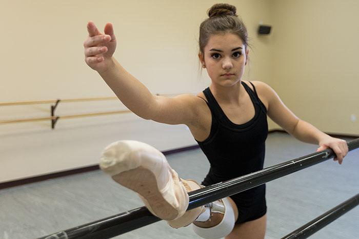Фото 4 -балерина без ноги 15 летняя девушка победила рак на пути к своей мечте